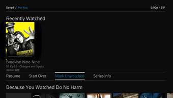 La opción Mark Unwatched se selecciona debajo del contenido que se muestra en la fila  Recently Watched.